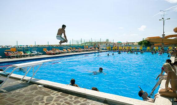 Hotel cesenatico con piscina albergo con servizio di piscina hotel atlas - Hotel cesenatico con piscina ...